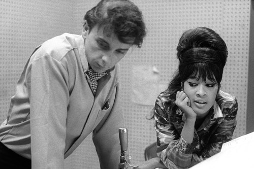 Ronnie Spector《Be My Baby : How I Survived Mascara, Miniskirts and Madness》
