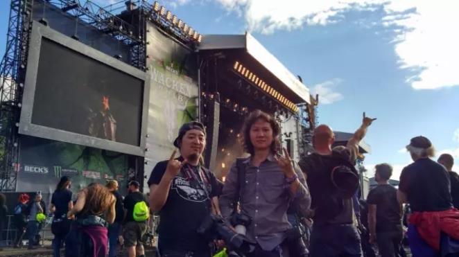 吴震每年带领中国乐队前往全球最大金属音乐节_德国WACKEN OPEN AIR 并担任前方摄影师