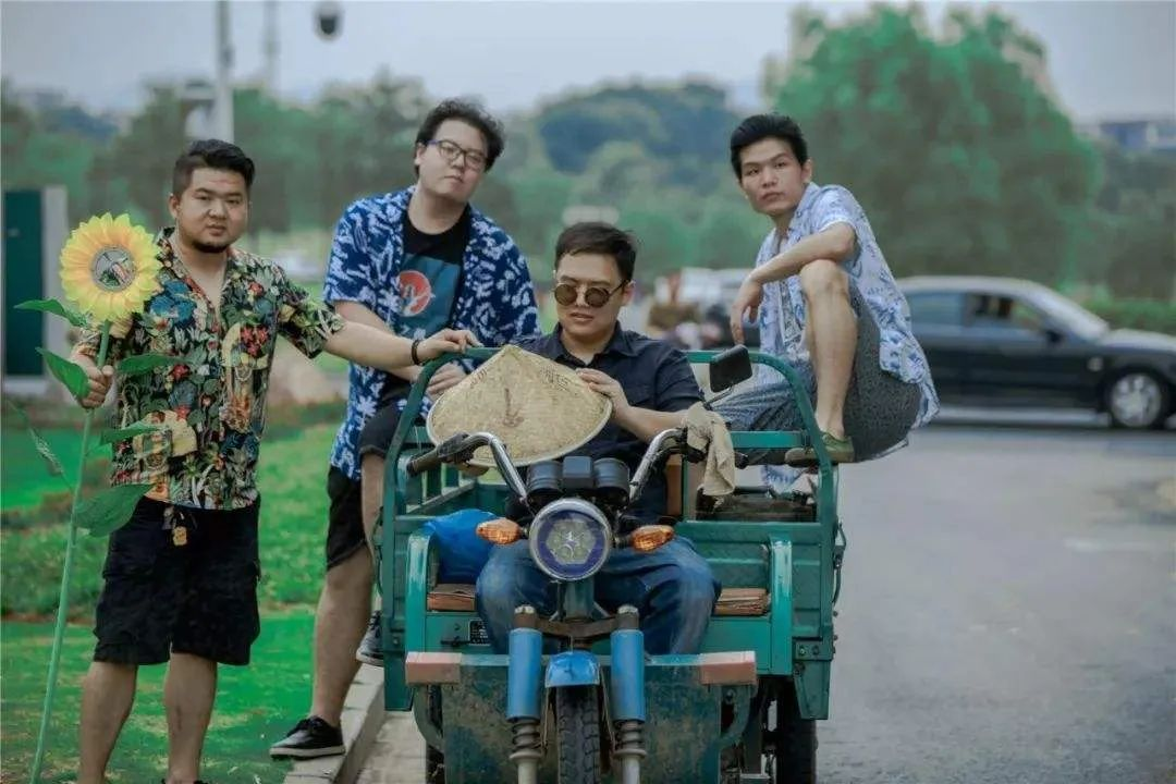 野外合作社吉他手刘遥——中国摇滚圈的害群之马!